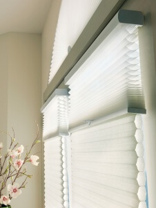 Applause® Honeycomb Shades with Duolite™