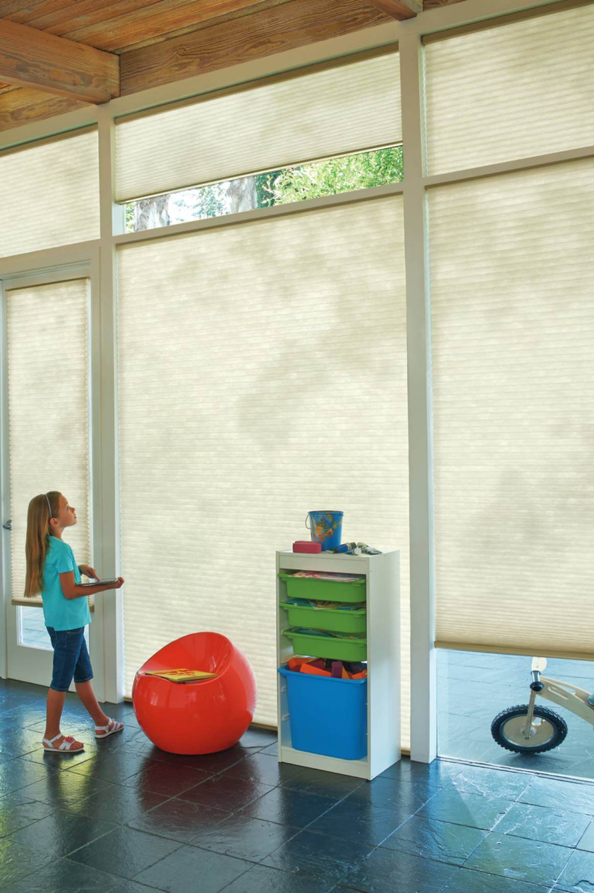 Utilizing Motorization in your Home near Myrtle Beach, South Carolina (SC) including PowerView® Automation